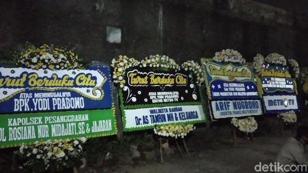 Karangan bunga di rumah duka editor Metro TV, Yodi Prabowo