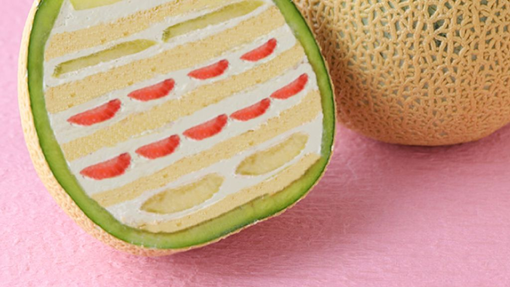 Cantiknya Kue dalam Melon dan Nanas yang Lagi Hits di Jepang