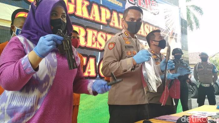 pencuri motor di cirebon berbakal pistol mainan