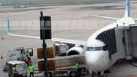 Pesawat Lagi Isi BBM, Nggak Boleh Pakai HP?