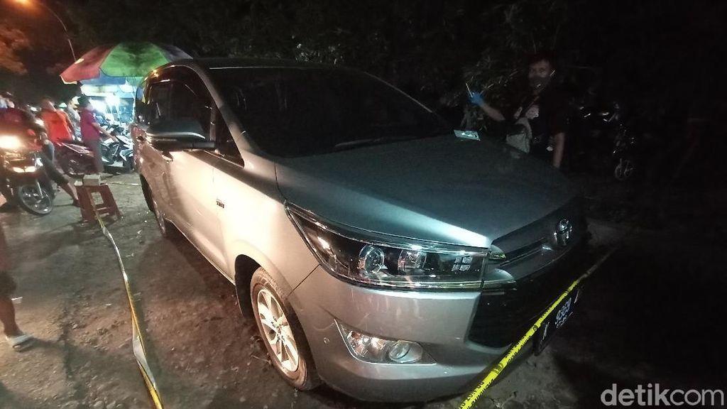Polisi Cek Mobil Tak Bertuan Terparkir, Milik Korban Perampokan di Kudus?