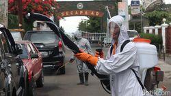 Pemukiman Warga Sekitar Secapa AD Bandung Disemprot Disinfektan
