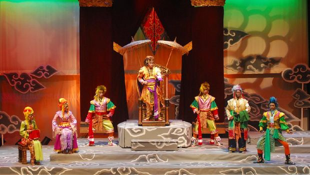 Teater Koma Pentaskan Republik Petruk