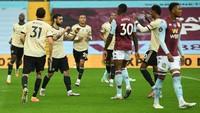 Turun Minum, Man United Ungguli Aston Villa 2-0
