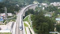 Di Tengah Pandemi, China Operasikan Jalur Kereta Cepat Baru