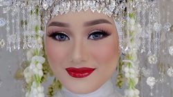 Dinda Hauw Dinikahi Rey Mbayang, Ini Rahasia Makeupnya yang Bikin Pangling