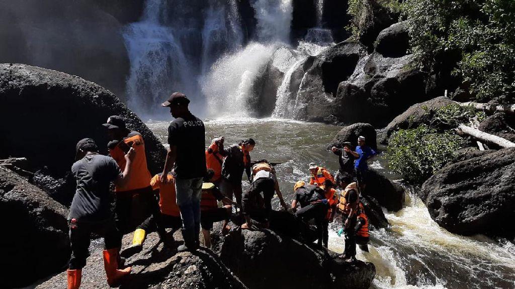 Warga Sulteng yang Jatuh dari Air Terjun Setinggi 30 Meter Ditemukan Meninggal