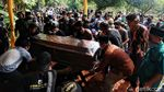 Suasana Haru Iringi Pemakaman Editor MetroTV Yodi Prabowo