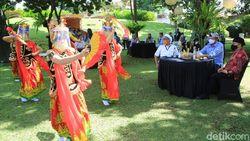 Kepincut Arsitektur Pendopo, Menteri Edhy Prabowo Kerasan di Banyuwangi