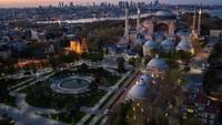 Paus Fransiskus Amat Tertekan Hagia Sophia Jadi Masjid
