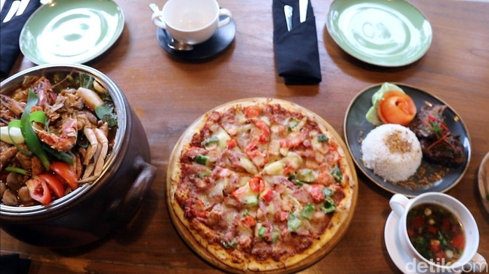 Menikmati kuliner di Grand Inna Samudera Beach Hotel (GISBH)