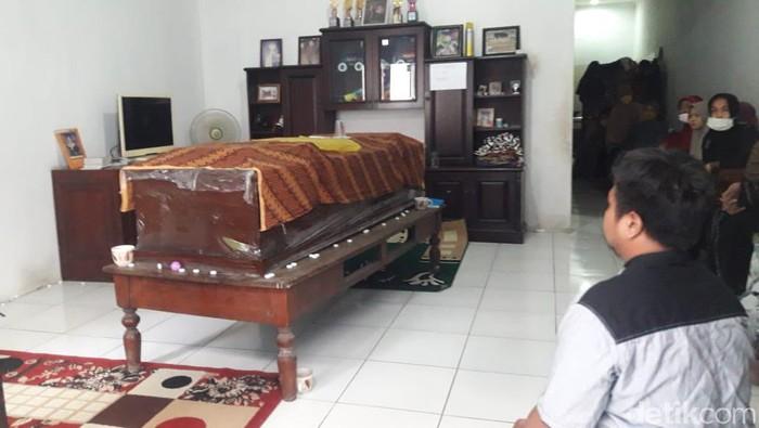 Peti jenazah editor Metro TV Yodi Prabowo