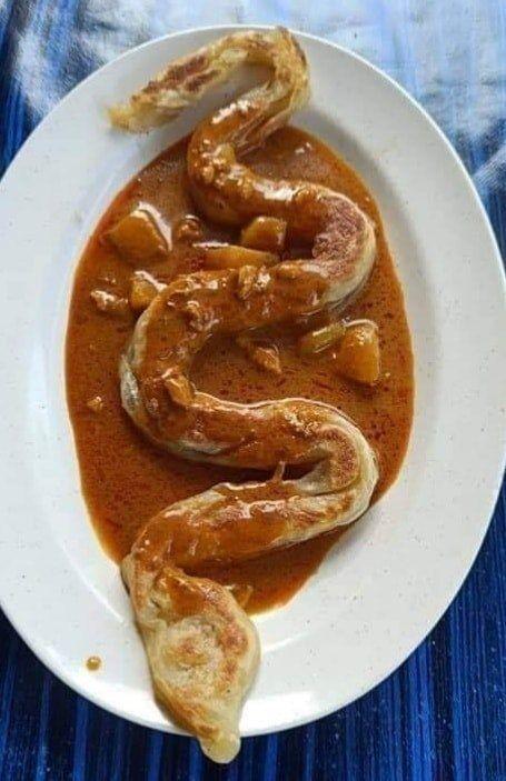 Roti canai bentuk ular