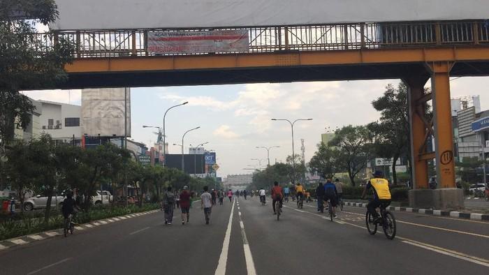CFD di Jalan Jenderal Ahmad Yani, Kota Bekasi, Jawa Barat, Minggu (12/7/2020).