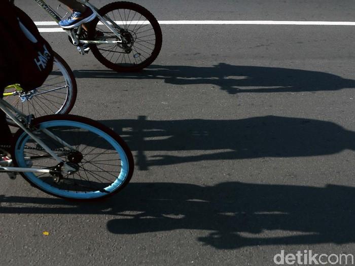 Semenjak pandemi Corona, minat warga dalam bersepeda meningkat tajam. Selain mencari keringat, pesepda juga kerap mencari spot bagus untuk berfoto.
