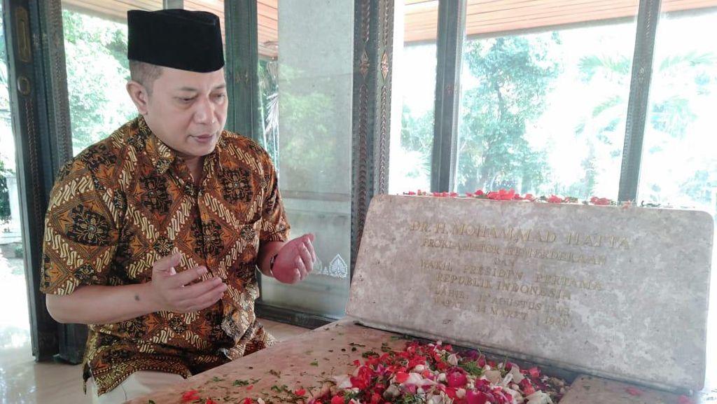 Sambut Harkopnas, Pimpinan Dewan Koperasi Ziarah ke Makam Bung Hatta