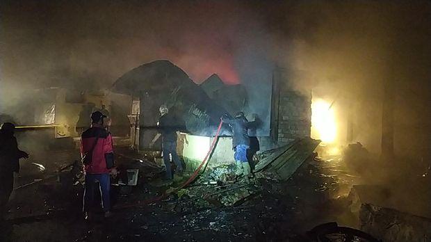 Kebakaran pasar Kebun Raya Cibodas Jabar