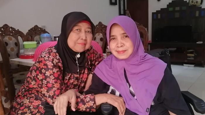 keterangan foto: Alm Prabawati Sukarta dan Nurhasanah / dok. Ely Kusumah