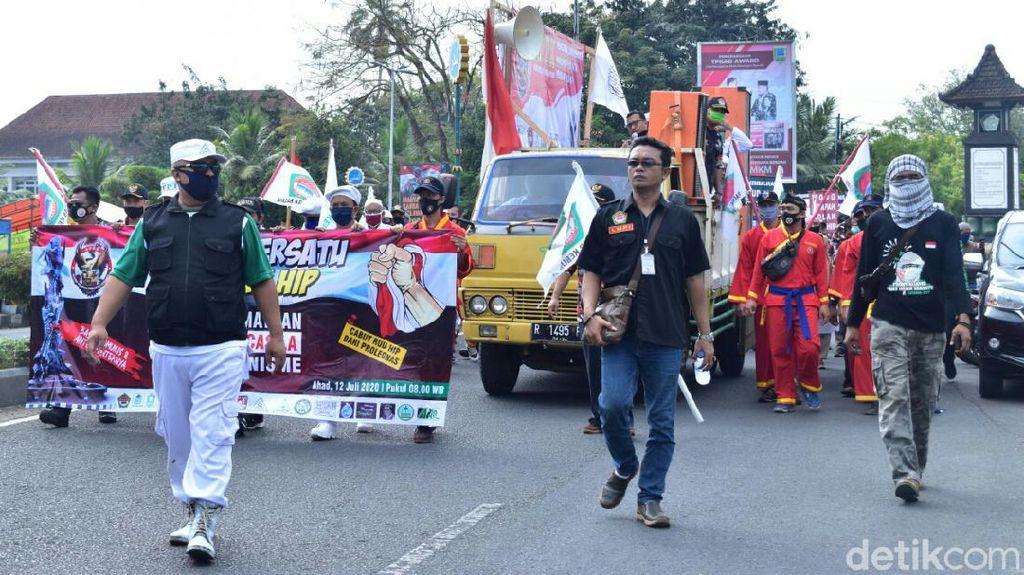 Tolak RUU HIP, Massa Gelar Aksi di DPRD Kebumen