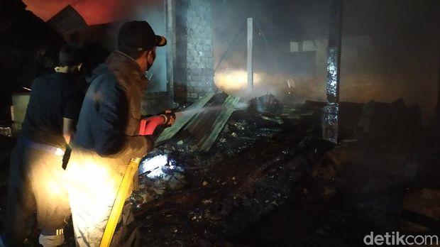 Pasar Wisata Cibodas kebakaran.