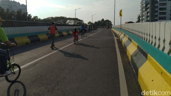 Penampakan anak-anak di JLNT Antasari (Sachril Agustin Berutu/detikcom)