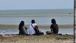 Destinasi Wisata Ramai, Bupati Sukabumi Ingatkan Protokol Kesehatan