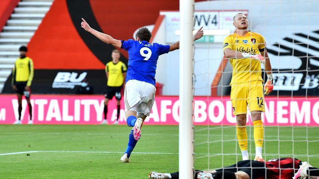 Top Skor Liga Inggris: Vardy Manjauh dari Aubameyang dan Salah