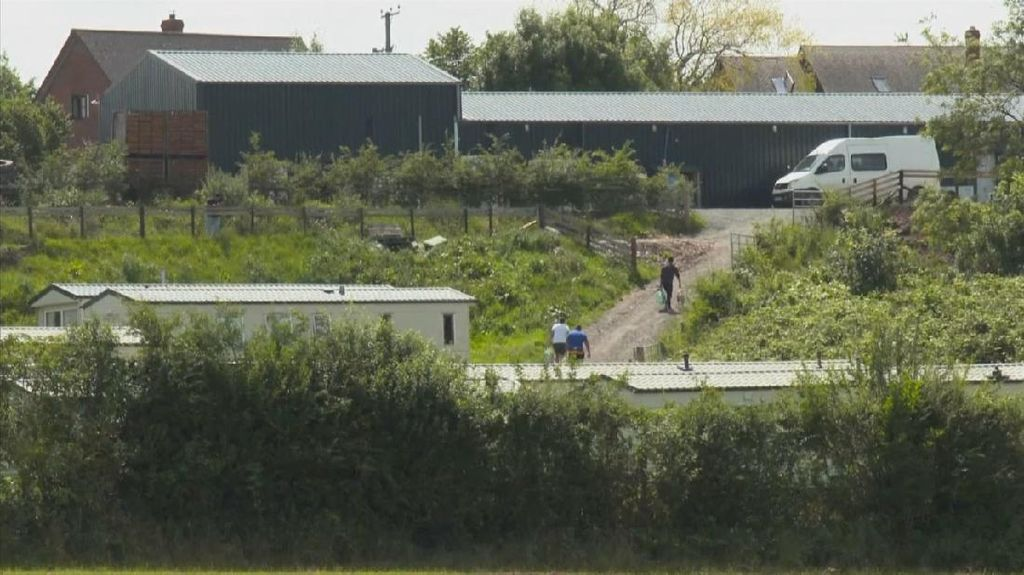 Inggris Lockdown Sebuah Pertanian Usai 73 Petani Positif Covid-19