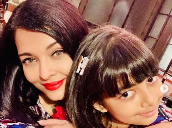 Aishwarya Rai dan putrinya Aaradhya Bachchan