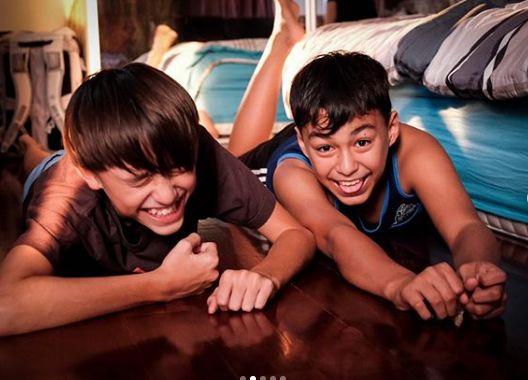Anak-anak Darius dan Donna Agnesia tulis surat izin makan keripik singkong
