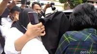 Detik-detik Penangkapan Hana Hanifah Terkait Dugaan Prostitusi di Medan