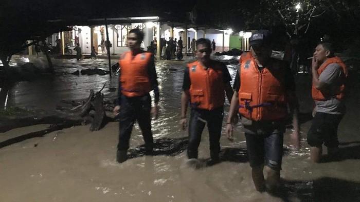 Banjir terjang Luwu Utara Sulsel (Foto: Istimewa)