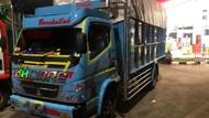 2 Truk Rokok Ilegal Senilai Rp 3,87 M Diamankan di Tol Semarang-Batang