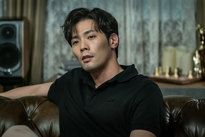 Choi Daniel di It's Okay To Not Be Okay