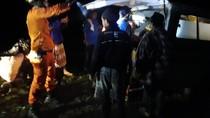 Evakuasi 6 Petugas PDAM yang Diserang Tawon-Jatuh ke Jurang Selesai