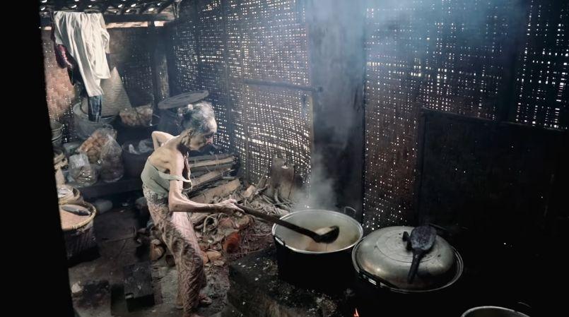 Sosok Mbah Lindu yang Pekerja Keras