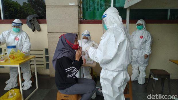 Pegawai Yogya Bogor Junction Jalani Swab Test