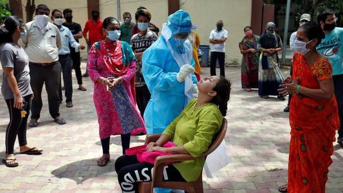 Kasus Corona di India terus meningkat. Pada Jumat (10/7) lalu, Kementerian Kesehatan India melaporkan ada 793.802 kasus Corona terkonfirmasi di wilayah India.