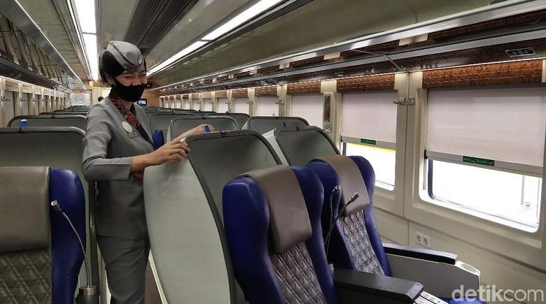 Pramugari kereta api