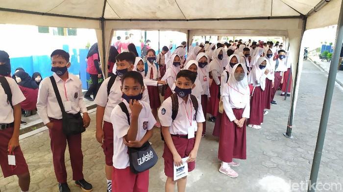 Sekolah di Cianjur sudah menggelar kegiatan tatap muka meski masih berstatus zona kuning