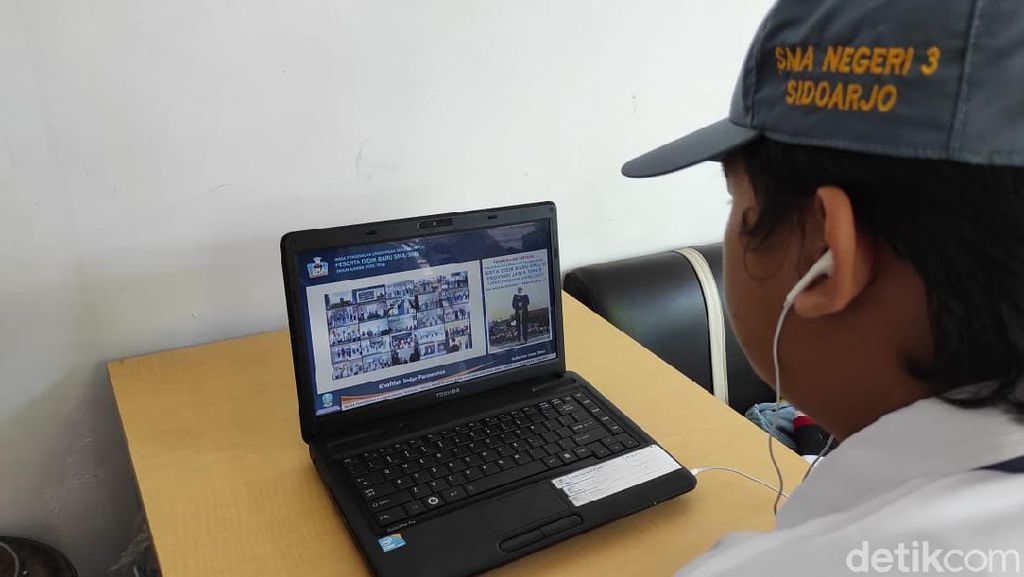SMA Negeri Sidoarjo Kenalkan Masa Pengenalan Sekolah dengan Daring