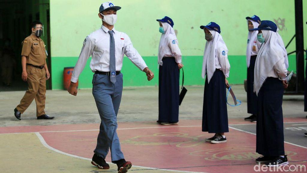 Potret Penerapan Protokol Kesehatan Ketat di SMAN 2 Kota Bekasi
