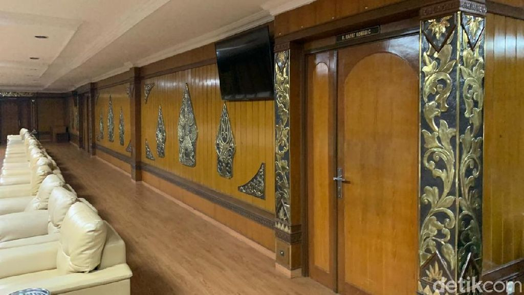 Ada Anggota yang Meninggal Kena Corona, Lantai 3 DPRD Jateng Ditutup