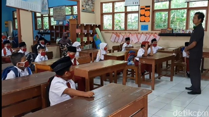 tahun ajaran baru di sd tasikmalaya
