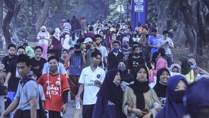Virus corona di Indonesia: Kapan puncak pandemi akan terjadi setelah penerapan new normal?