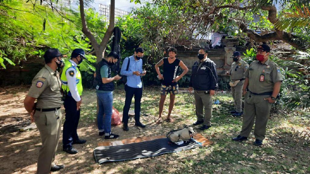 Menggelandang di Bandara Bali Selama Sebulan, WN Rusia Diamankan