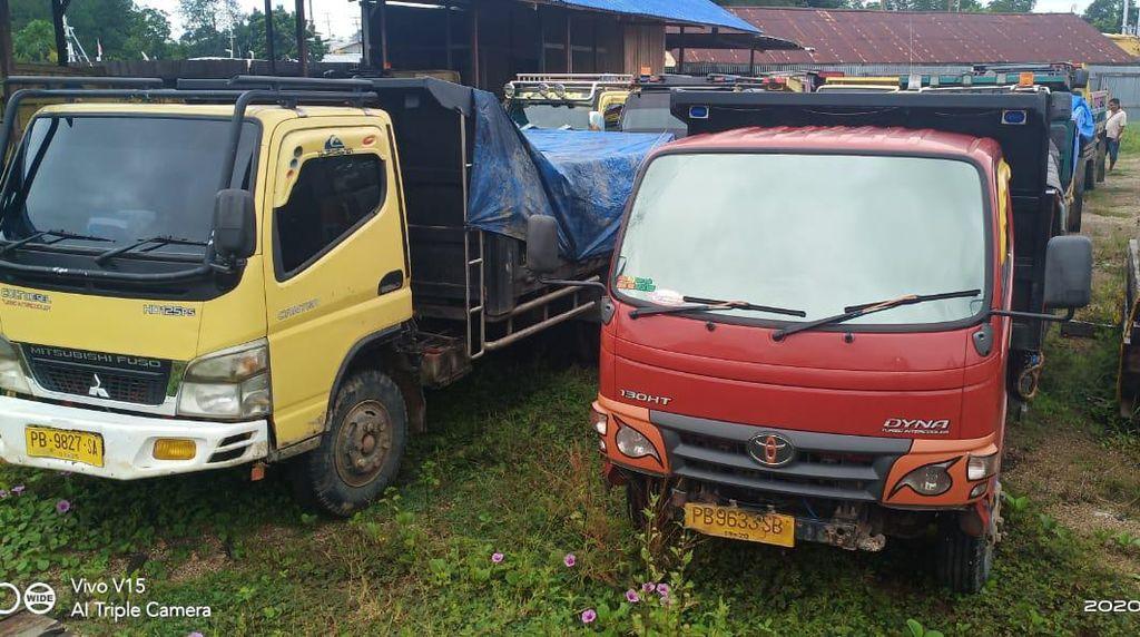KLHK Amankan 8 Truk Kayu Merbau Ilegal di Sorong