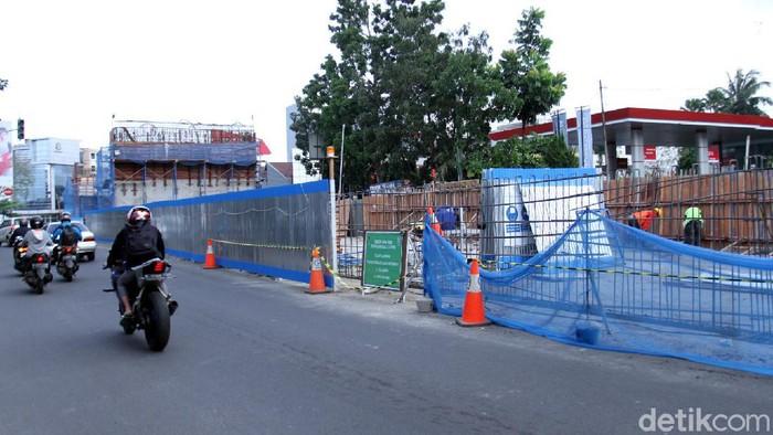 Mulai tanggal 1 Agustus Jalan Jakarta di Bandung akan ditutup imbas pembangunan fly over. Sejumlah alternatif disiapkan polisi terkait penutupan jalan itu.