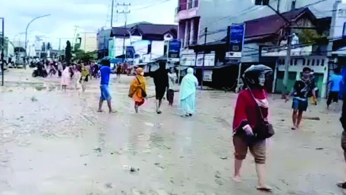 Banjir bandang di Masamba, Luwu Utara (dok. Istimewa).