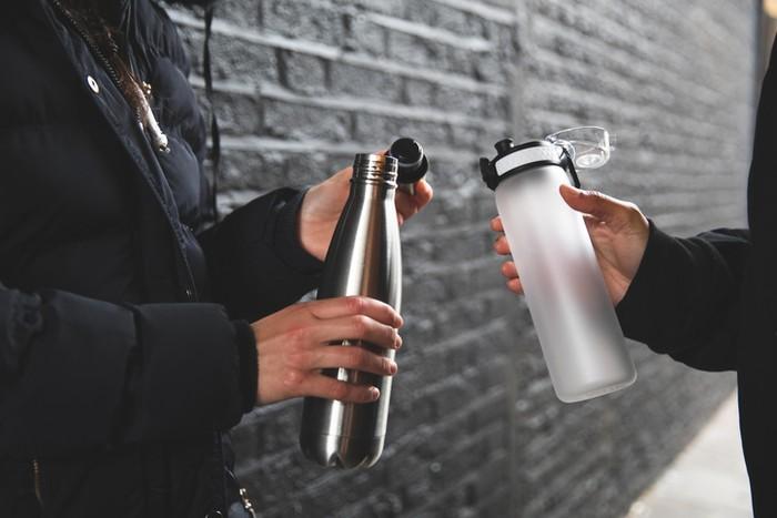 Tips Bersihkan Botol Minum